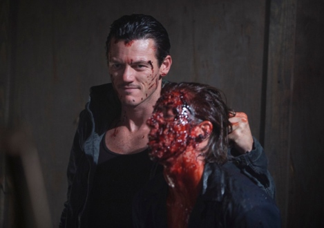 no-one-lives-foto-02-luke-evans